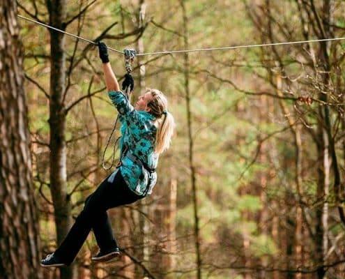 Doğa içinde Keyifli Zipline